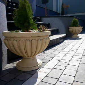 Садовая ваза Римская