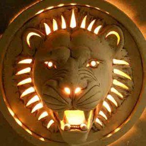 Настенный светильник Лев