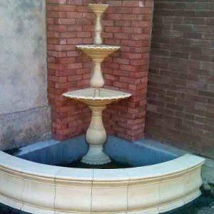 Угловой фонтан для сада