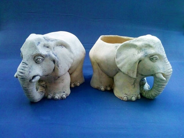 Кашпо слон