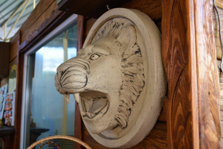 Скульптура Голова льва (настенная скульптура)