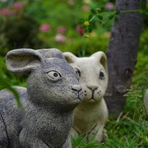 Садовая фигурка Заяц