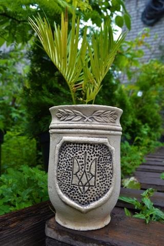 Горшок для цветов герб