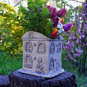 Кашпо для цветов Дом