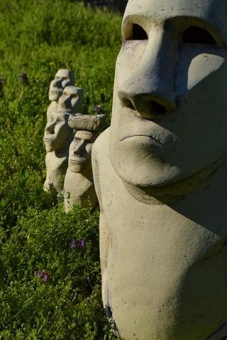 Садовая фигура Истукан