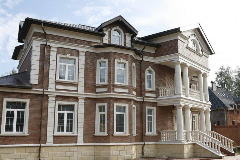 Отделка фасада архитектурными элементами