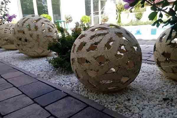 Садовый шар в трещину-2