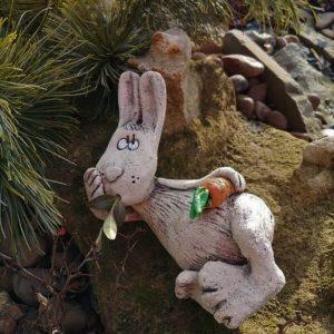 Садовая фигурка Заяц лежачий