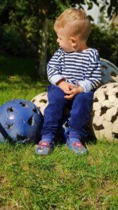 Прочные садовые шары